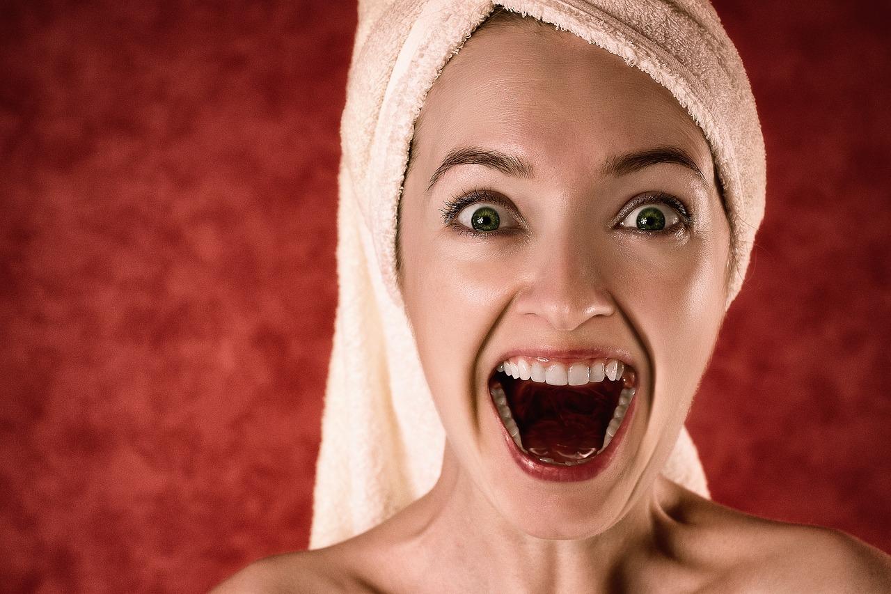 rire à pleine bouche est source de bien etre